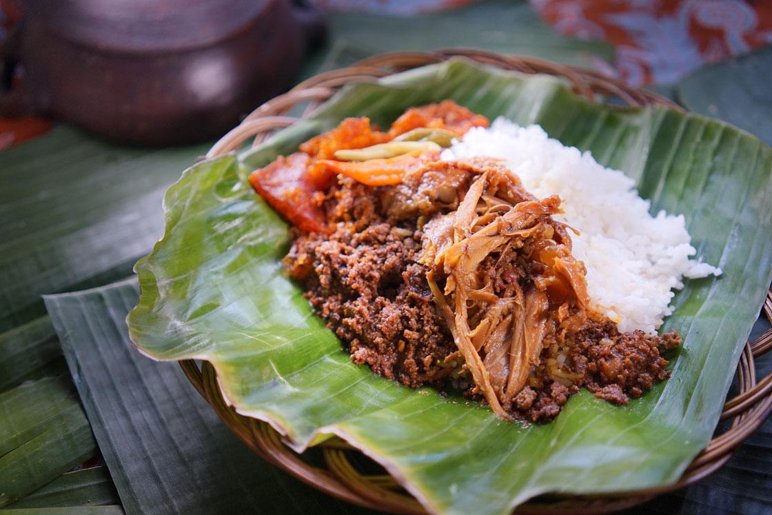 Nasi Gudeg Ayam Suwir
