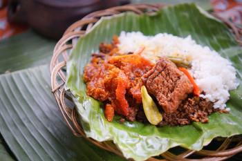 Nasi Gudeg Krecek Tahu