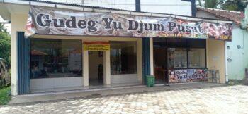 Outlet gudeg yu djum pusat YIA