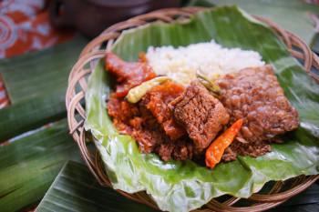 Nasi Gudeg Krecek Tahu Tempe