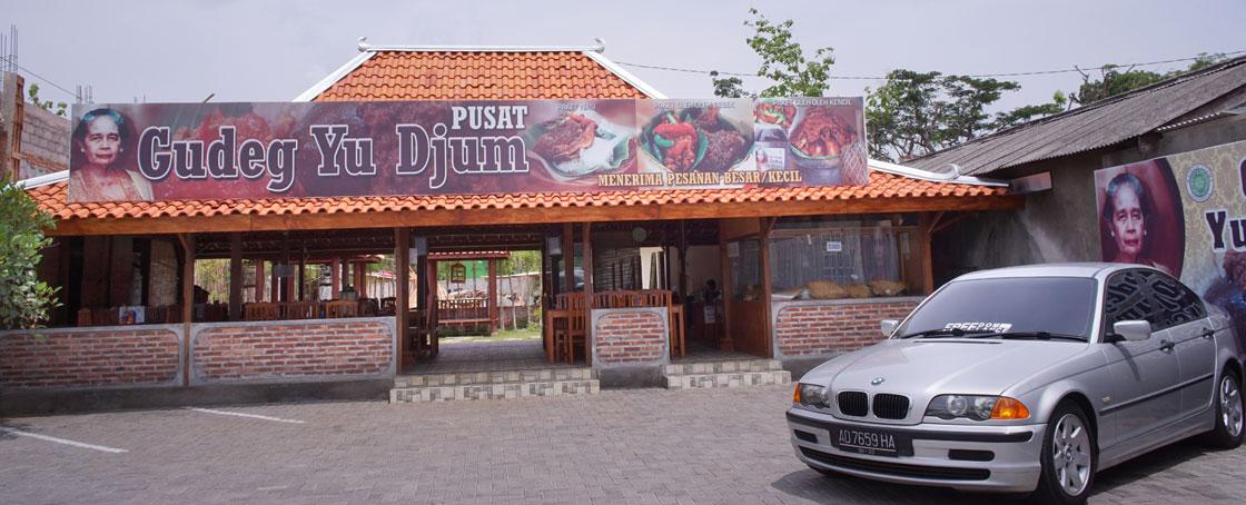 Gudeg Yu Djum Pusat di Wonosari